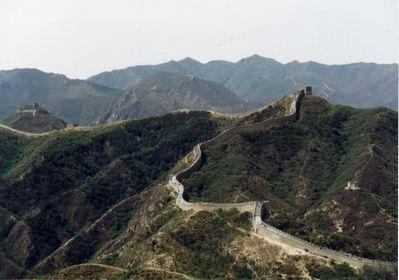 「中国・山を回る長城」1.jpg